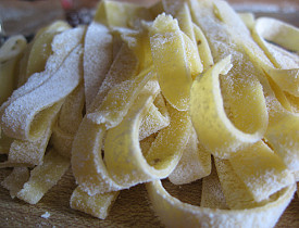 Fresh pasta with lemon olive oil. Pasta and photo by the author, s.e. smith.