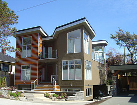 An energy-efficient house in British Columbia. (Photo: pnwra/Flickr)