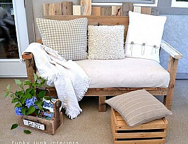 Pallet sofa by Funky Junk Interiors via Hometalk.com.