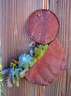 A rather brilliant tin can succulent planter. Photo: Irene G./Hometalk