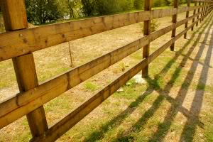 A Fence Can Serve Many Purposes It Provide Privacy For Your Yard Security Against Intruders And Burglars Safety Children Or Pets