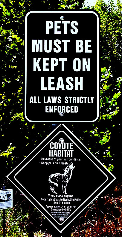 A sign warns residents to keep pets on leash due to coyotes. (Photo: marganz/sxc.hu.)