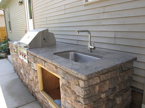 Outdoor Stone Sink : This stone outdoor kitchen has just the essentials: A great counter ...