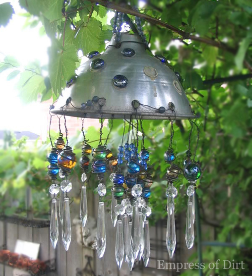 Colander wind chime and ohoto by Melissa @Empress of Dirt via Hometalk.com.