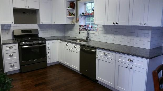 Subway tile backsplash in kitchen remodel