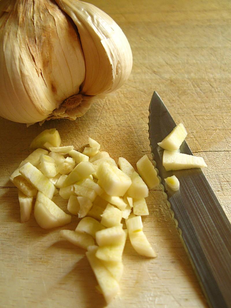 We Tested It Diy Garlic Breath Remedies Networx